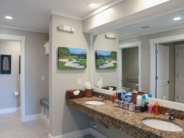 Eagle Point Golf Club - Accommodations - Bathroom 1