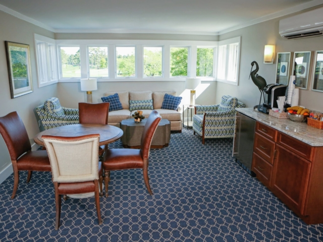 Eagle Point Golf Club - Accommodations - Living Area 2